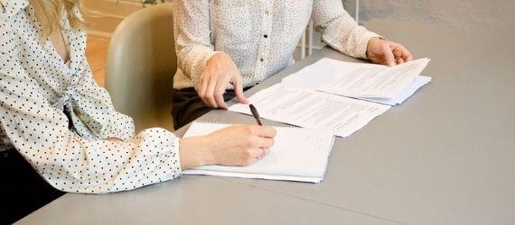 Mille poolest erinevad tööleping ja töövõtuleping?